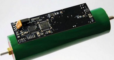 ntelligent cell of the Fraunhofer IPA: A microcontroller records physical parameters such as temperature and state of charge. If a cell is empty, it switches itself off automatically. © Fraunhofer IPA