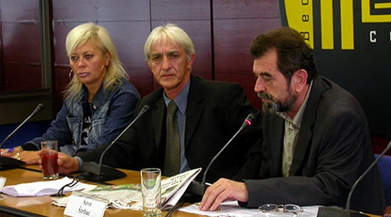 Dragan Vasiljković (Center). Photo Credit: Medija centar Beograd, Wikipedia Commons.