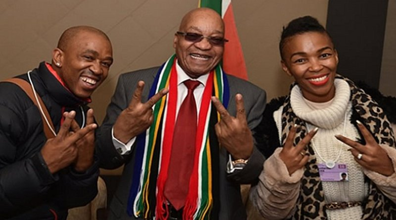 South Africa's President Jacob Zuma meets with Mafikizolo who performed at the World Economic Forum gala dinner on Saturday. Photo Credit: GCIS