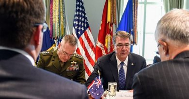 Defense Secretary Ash Carter, center right, and Australian Prime Minister Malcolm Turnbull, right, discuss defense cooperation at Pentagon on Jan. 18, 2016. DoD photo by U.S. Army Sgt. 1st Class Clydell Kinchen