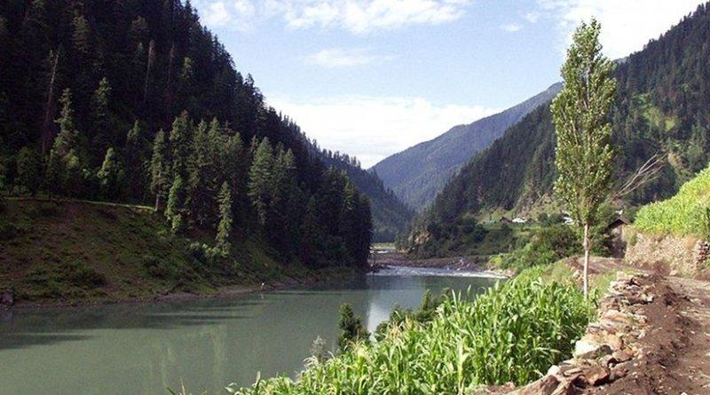 Jhelum River in Pakistan. Photo by Myasinilyas, Wikipedia Commons.