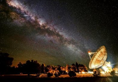 CSIRO's Parkes radio telescope will search for alien civilisations, as part of the $100 Million Breakthrough Listen project. Credit: Wayne England