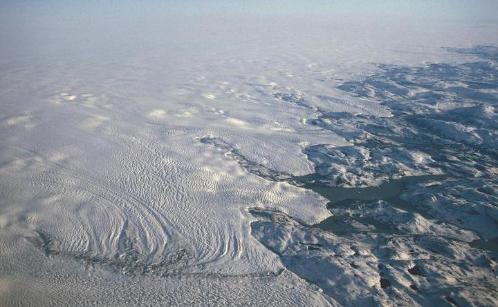 A new study shows clouds are playing a larger role in heating the Greenland Ice Sheet than scientists previously believed, raising its temperature by 2 to 3 degrees compared to cloudless skies and accounting for as much as 30 percent of the ice sheet melt. Credit: Hannes Grobe