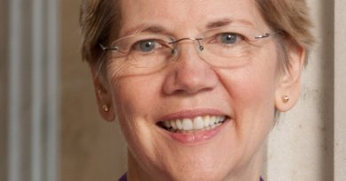 US Sen. Elizabeth Warren. Official photo, Wikipedia Commons.