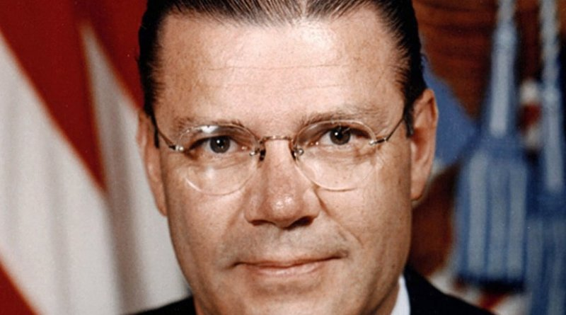 Official portrait of former United States Secretary of Defense Robert McNamara. DoD photo by Oscar Porter, U.S. Army, Wikipedia Commons.
