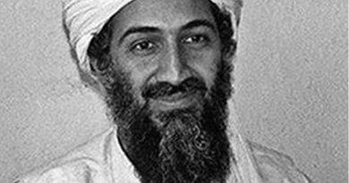 Osama bin Laden. Original photo by Hamid Mir, Wikipedia Commons.