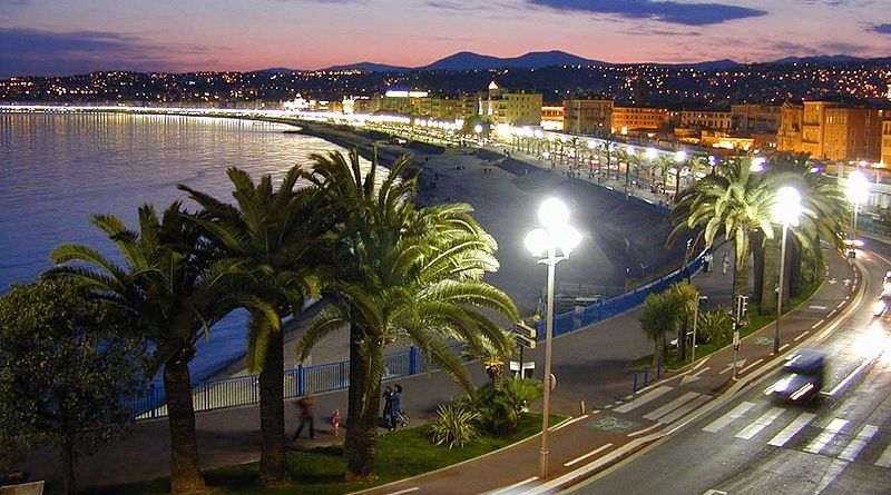 The Promenade des Anglais. Nice, France. Photo by W. M. Connolley, Wikipedia Commons.