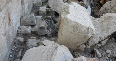 Stones from the Western Wall of the Temple Mount (Jerusalem) thrown onto the street by Roman soldiers on the Ninth of Av, 70. Photo by Wilson44691, Wikipedia Commons.
