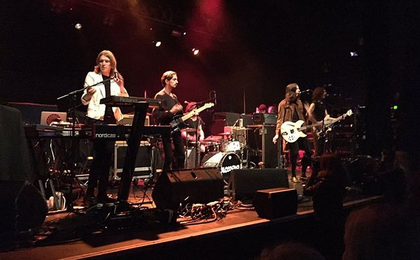 Music group Blossoms. Photo by Phoebe Devereux, Wikipedia Commons.