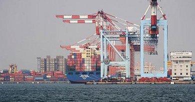 Spanish exports in port. Photo credit: Ministerio de Asuntos Exteriores y de Cooperación