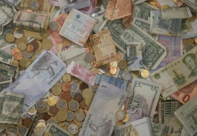 money currency bills coins