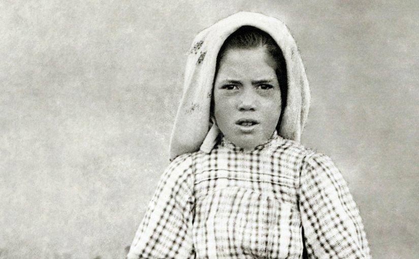 Lúcia dos Santos in 1917. Photo cropped, Wikipedia Commons.