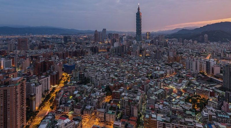 Taipei, Taiwan. Photo by Chensiyuan, Wikipedia Commons.