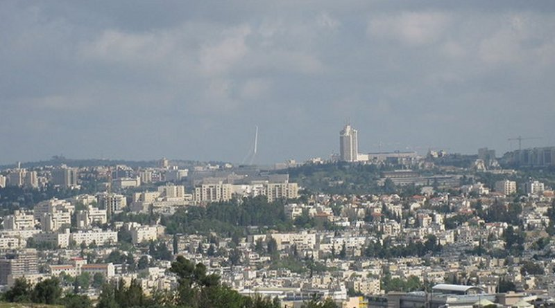 Views from Givat HaArbaa, near Hebron road, Jerusalem. Photo by Deror avi, Wikipedia Commons.