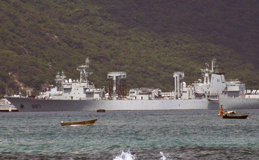 China's Type 903 replenishment ship. Photo by Otherjoke, Wikipedia Commons.