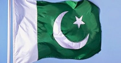 Pakistan's flag. Photo by Erum Khan101, Wikipedia Commons.