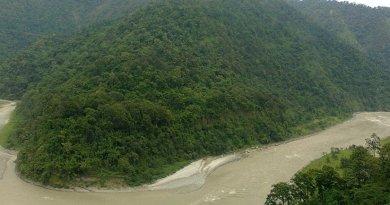 The Teesta River. Photo by PP Yoonus, Wikipedia Commons.