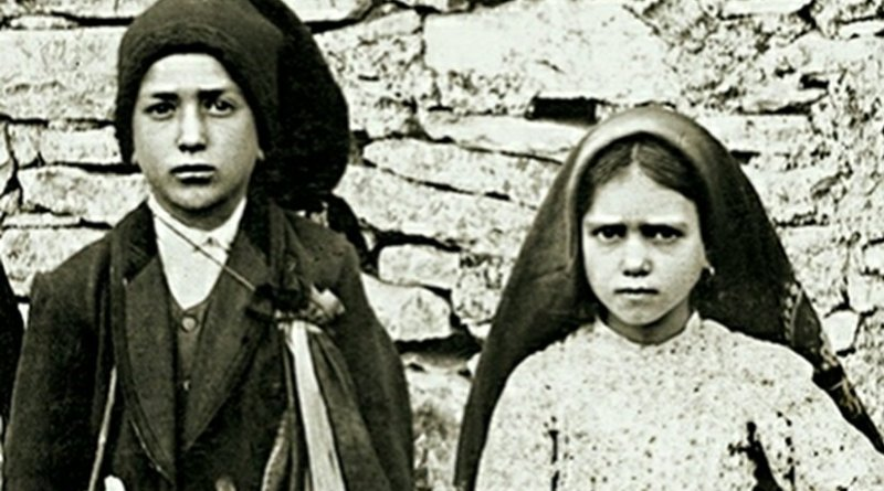 "Jacinta and Francisco Marto, the three children whom the Virgin Mary revealed her famous ""three secrets"" in Fátima, Portugal. Photo credit: Joshua Benoliel, Wikipedia Commons."