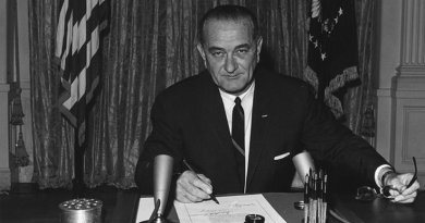 US President Johnson signs Tonkin Resolution on August 10, 1964. Photo Credit: Cecil W. Stoughton - U.S. National Archives and Records Administration, Wikipedia Commons.