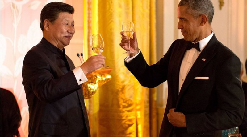 """China's Xi Jinping wearing a """"Mao suit"""" at a black tie state dinner with US President Barack Obama. Photo by Pete Souza, White House, Wikipedia Commons."""