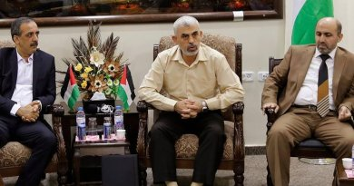 Gaza Leader Says Hamas Won't Abandon Armed Resistance