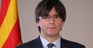 Catalan leader Carles Puigdemont Casamajó. Official photo, Generalitat de Catalunya, Wikipedia Commons.