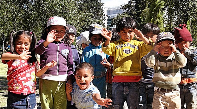 Hispanic children. Photo by epSos.de, Wikimedia Commons.
