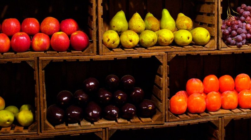 fruit pears apples tomatoes