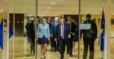 Tories Sleepwalk Towards Soft Brexit – OpEd