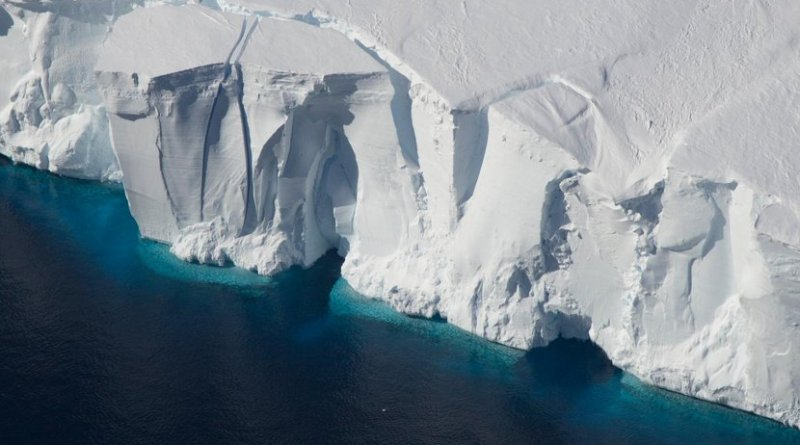 Front of the Getz Ice Shelf. Credit Jeremy Harbeck/NASA