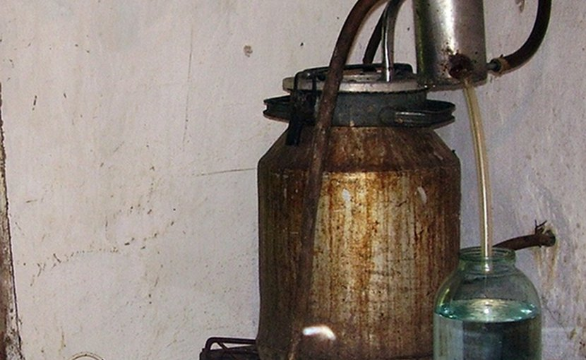 Making alcohol in Krasnodar Territory, Russia. Photo by Yuriy75, Wikipedia Commons.