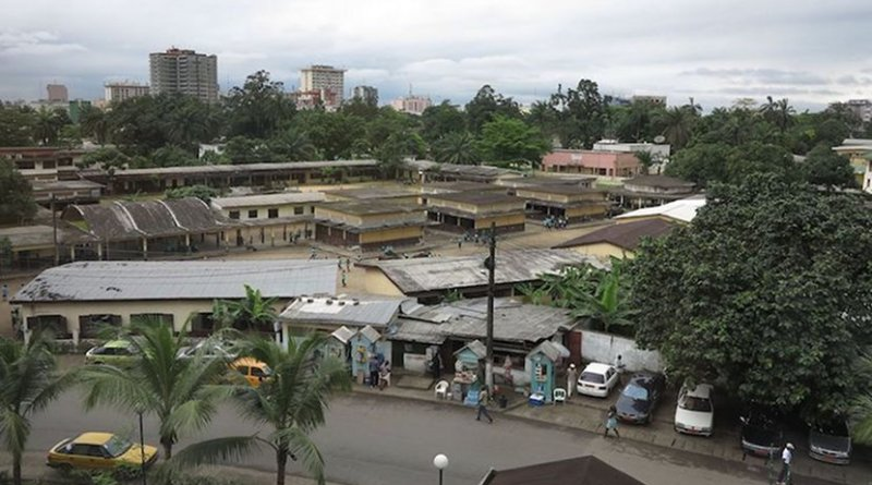 Avenue des Cocotiers, Douala, the largest city in Cameroon and its economic capital. The city is primarily francophone. Credit: Kayhan ERTUGRUL   Wikimedia Commons.