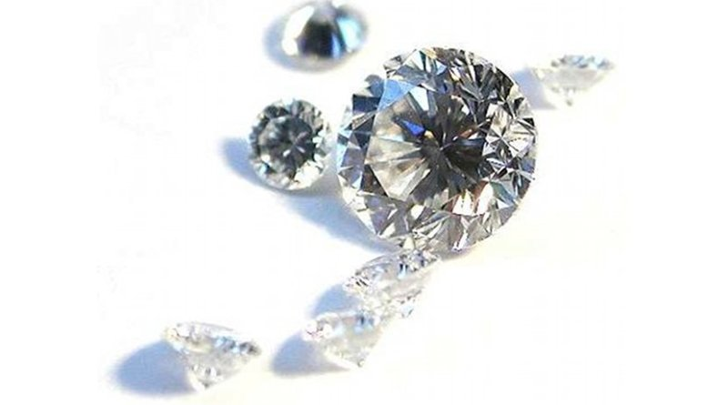 Diamonds. Photo by Mario Sarto, Wikipedia Commons.