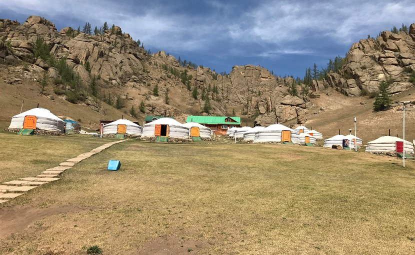 Mongolian Yurt community with no water infrastructure © Fraunhofer IOSB-AST