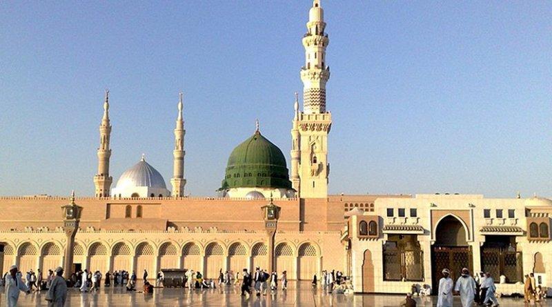 Saudi Arabia's The Prophet's Mosque (Al-Masjid al-Nabawi). Photo by Bluemangoa2z, Wikipedia Commons.