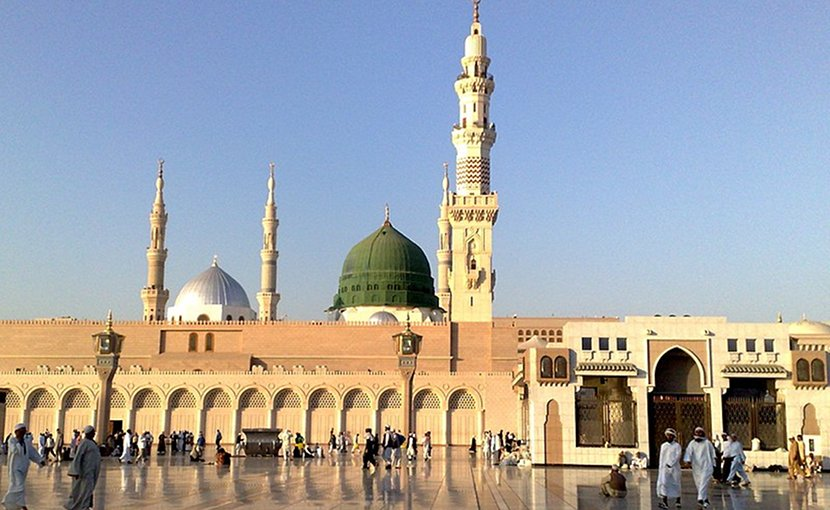 Saudi Arabia's The Prophet's Mosque (Al-Masjid al-Nabawi). Photo by Bluemangoa2z, Wikipedia Commons.
