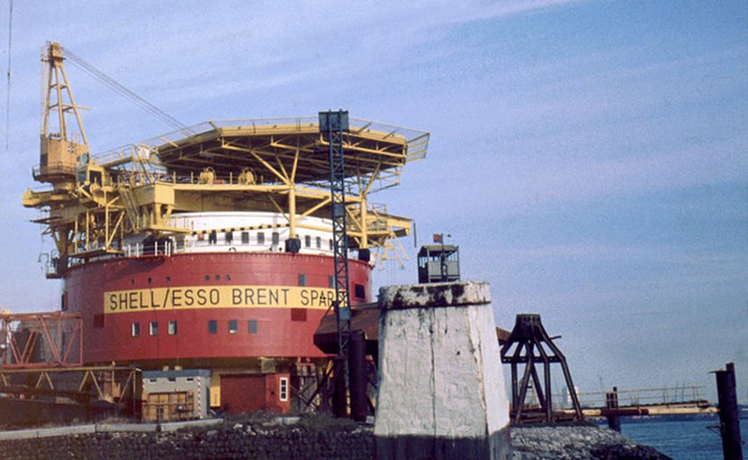 Brent Spar platform. Photo by Quistnix, Wikipedia Commons.