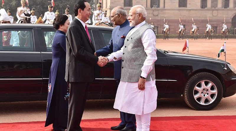 The President of the Socialist Republic of Vietnam, Mr. Tran Dai Quang being received by the President, Shri Ram Nath Kovind and the Prime Minister, Shri Narendra Modi, at the Ceremonial Reception, at Rashtrapati Bhavan, in New Delhi