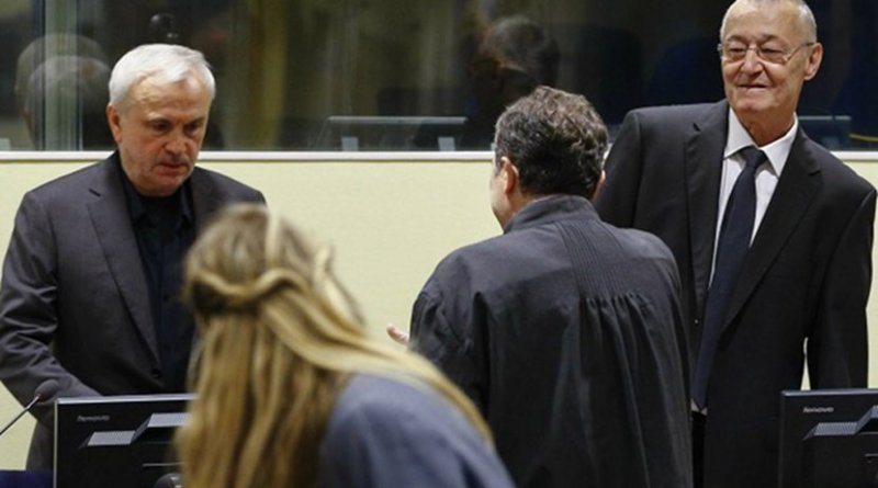 Jovica Stanisic (left) and Franko Simatovic (right) in court. Photo: EPA/Michael Kooren/REUTERS POOL.