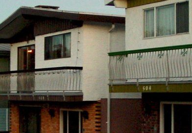Homes in Vancouver, Canada. Photo by Jason V, Wikipedia Commons.