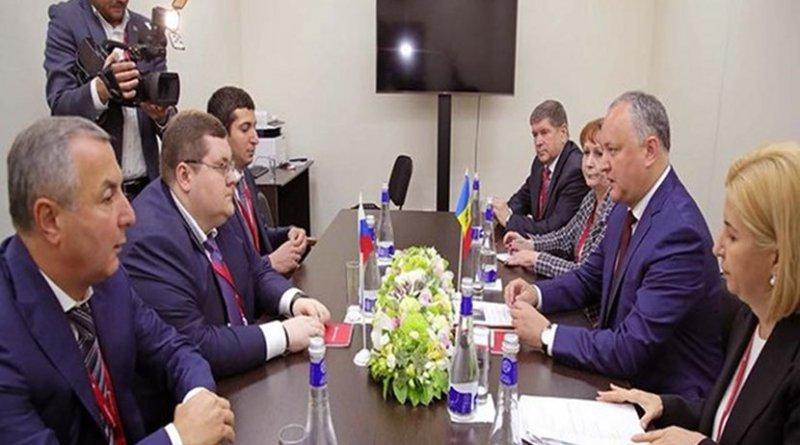 Moldovan president Igor Dodon in a meeting with Russian businessman Igor Chaika in Sankt-Peterburg economic forum on May 24, 2018. Photo: Igor Dodon Facebook account.
