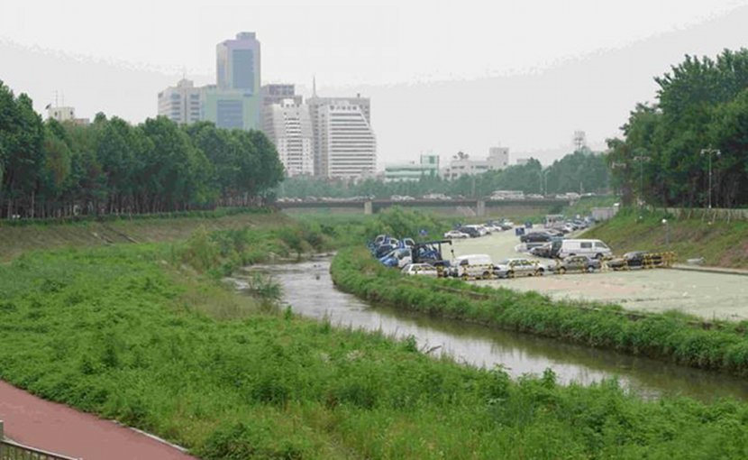 A new Portland State University study shows that even though water quality has improved in South Korea's Han River basin since the 1990s, there are still higher-than-acceptable levels of pollutants in some of the more urbanized regions in and around the capital Seoul. Credit Courtesy of Heejun Chang