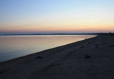 Azov Sea in New Yalta, Donetsk Region. Photo Credit: Канопус Киля, Wikipedia Commons.
