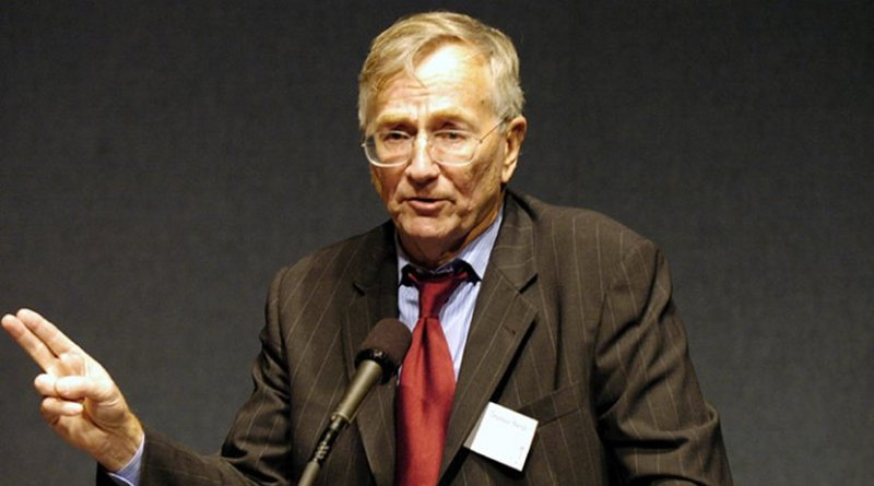 Seymour Hersh. Photo Credit: Institute for Policy Studies, Wikimedia Commons.