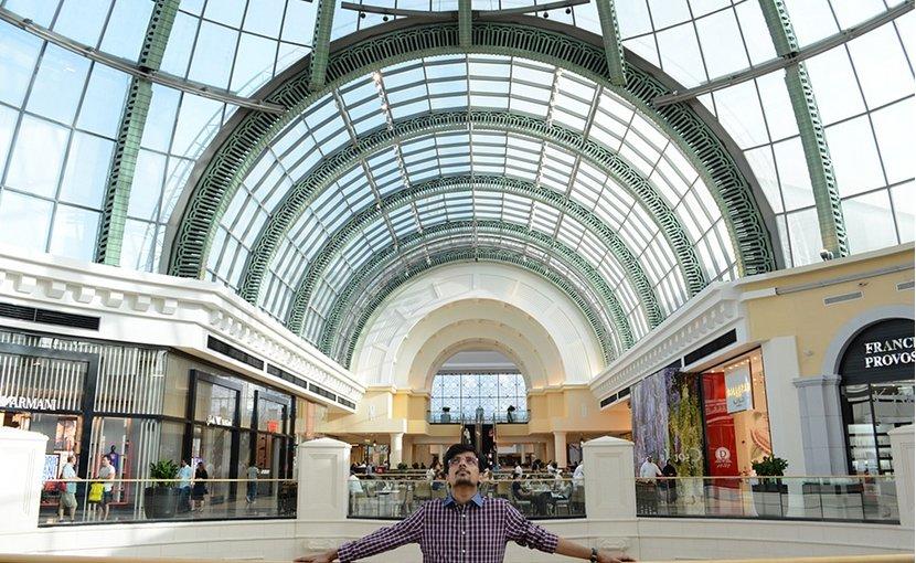 Dubai shopping mall.