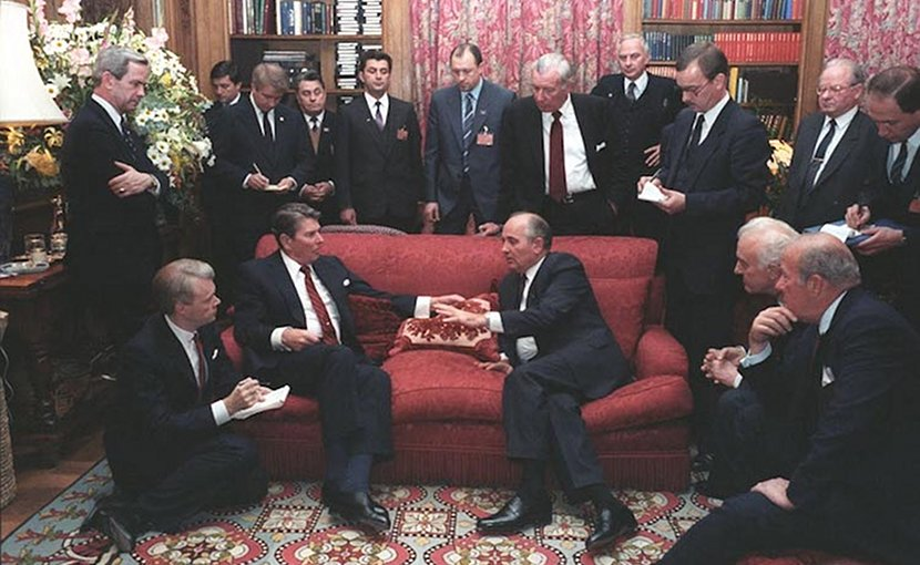 Summit in November 1985. Source: Wikimedia Commons.