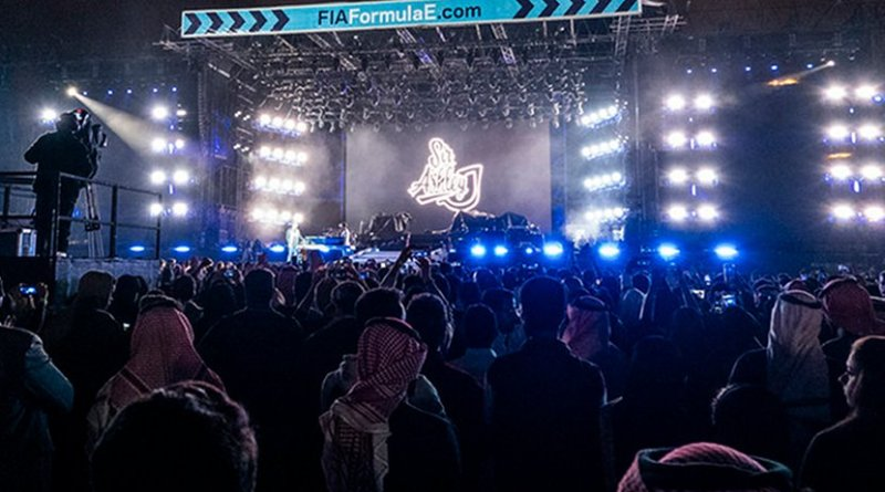 The crowds were entertained by nightly concerts ahead of the race Saturday. (Ziyad Alarfaj/Arab News)