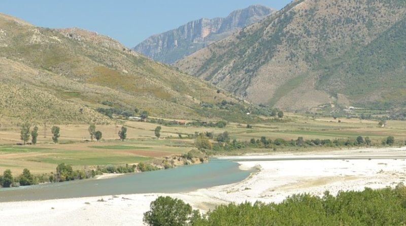 The Vjosa river in Albania. Photo Credit: Pudelek, Wikimedia Commons.