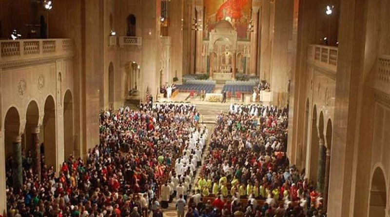 Mass celebrated inside the National Shrine of the Immaculate Conception in Washington, DC. CNA file photo