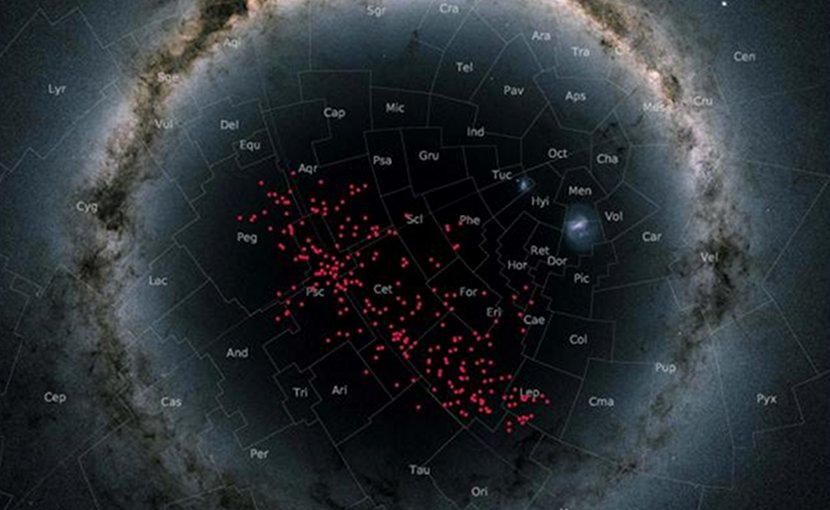 Night sky centered on the south Galactic pole in a so-called stereographic projection. In this special projection, the Milky Way curves around the entire image in an arc. The stars in the stream are displayed in red and cover almost the entire southern Galactic hemisphere, thereby crossing many well-known constellations. Background image: Gaia DR2 skyma Credit: Astronomy & Astrophysics